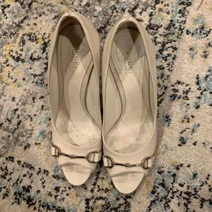 Authentic Ivory classic Gucci heels